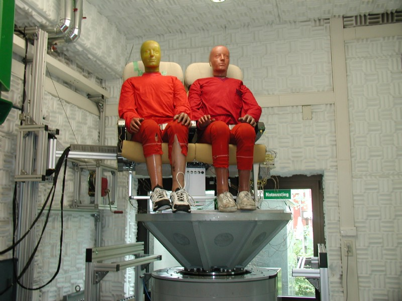 Aircraft seats are tested on a T2000 with a round head expander